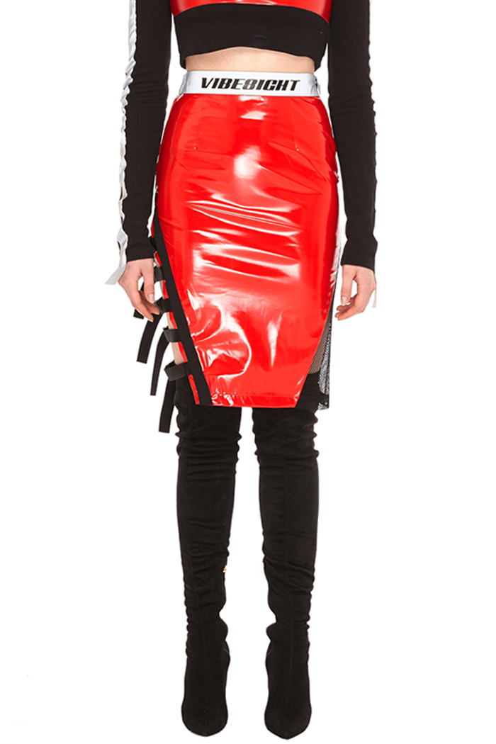 GLOSS ENAMEL SKIRT (RED)