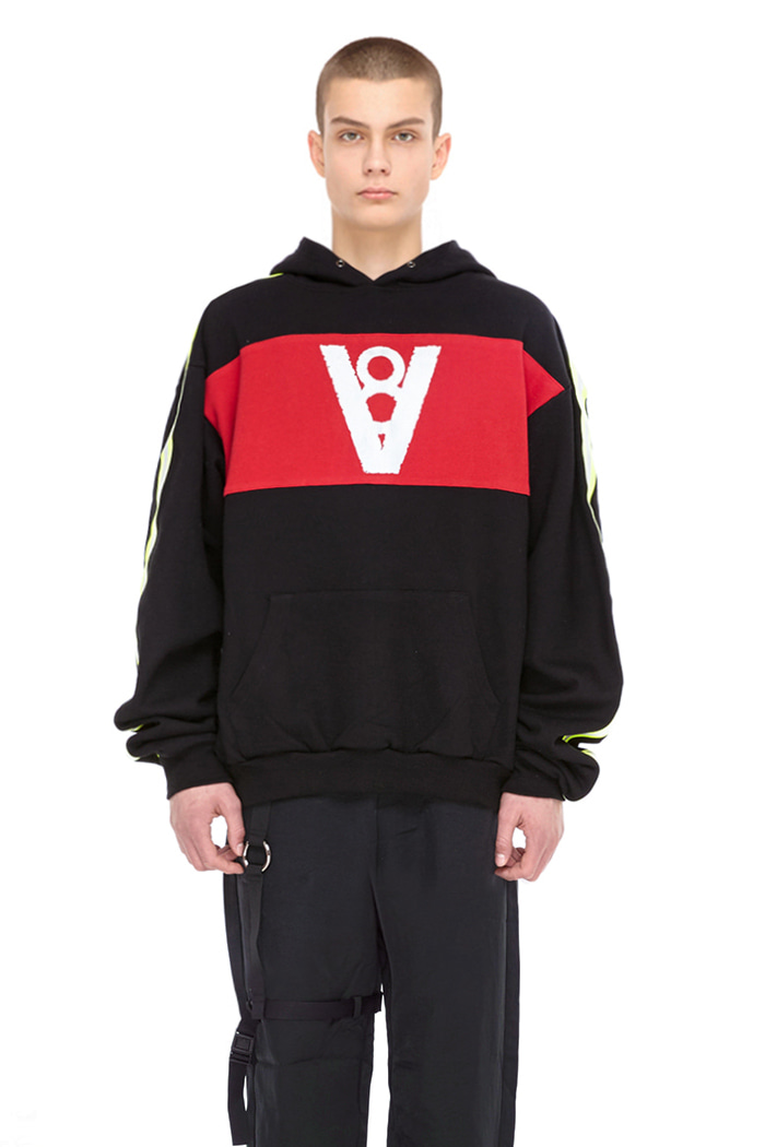 LONG SLEEVE POINT HOODIE (BLACK&RED)