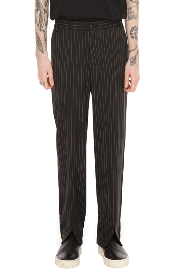 SPLITED SLACKS (STRIPE)