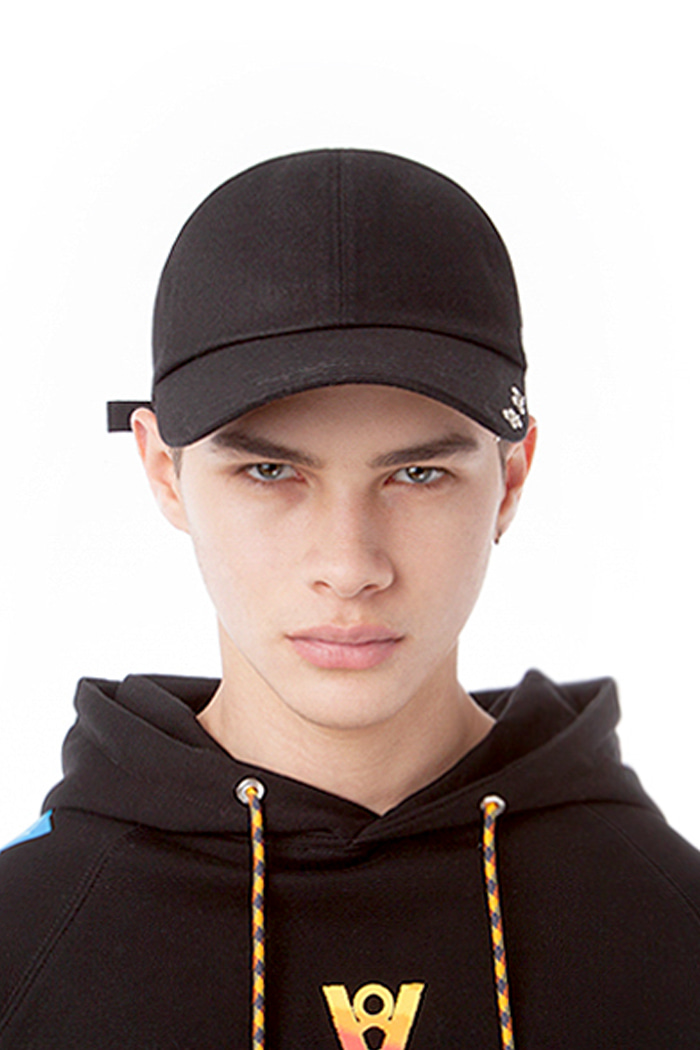 DOUBLE PUNCHED CAP (BLACK)